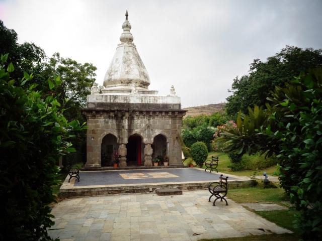 Temple, pune, fort jadhavgadh
